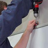 Монтаж доски на стену размером от 180 см